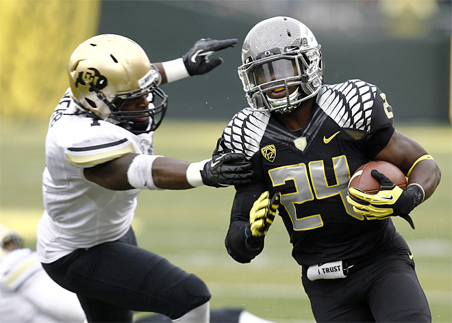 Ducks dominate early, cruise to 70-14 win over Colorado