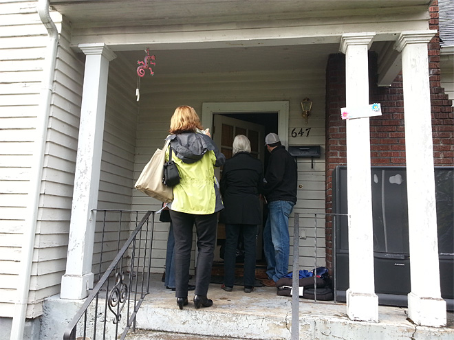 Community leaders go door to door near UO (3)