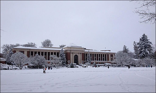Snow forces UO, OSU to close