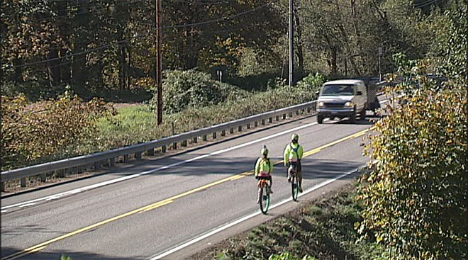 Couple rides across US in  honor of Syrian refugees (10)