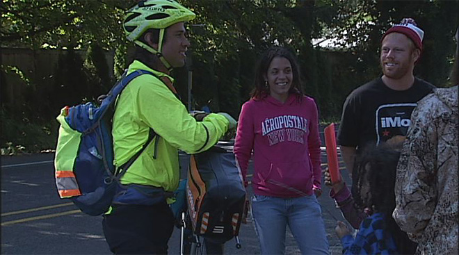 Couple rides across US in  honor of Syrian refugees (3)