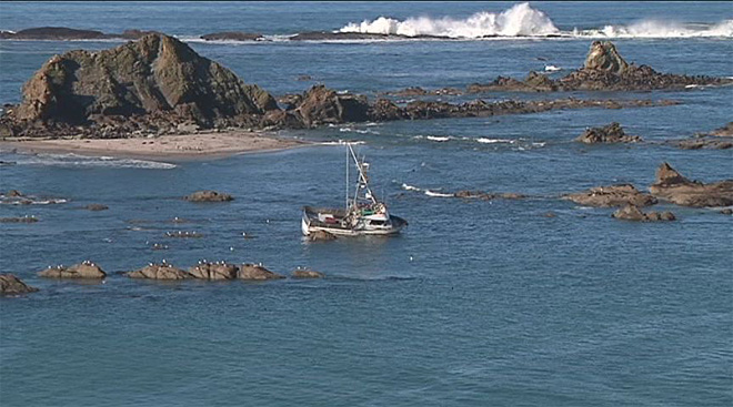 Crab boat gets stuck off Cape Arago (1)