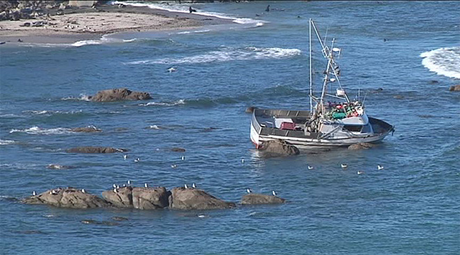Crab boat gets stuck off Cape Arago (2)