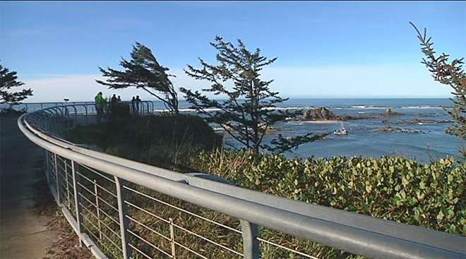 Crab boat gets stuck off Cape Arago (3)