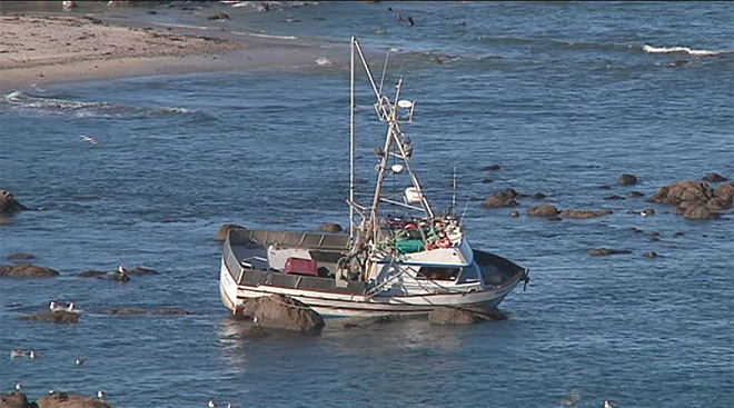 Crab boat gets stuck off Cape Arago (5)