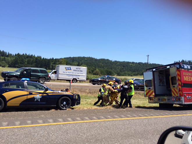 Multi-car crash disrupts I-5 south of Eugene