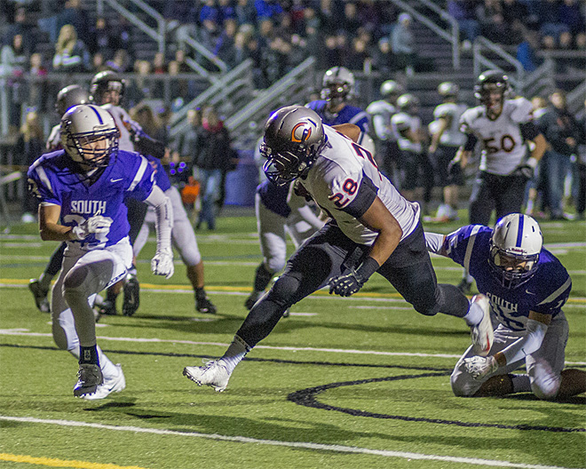 Crater Comets beat South Eugene Axemen 42-32 (40)