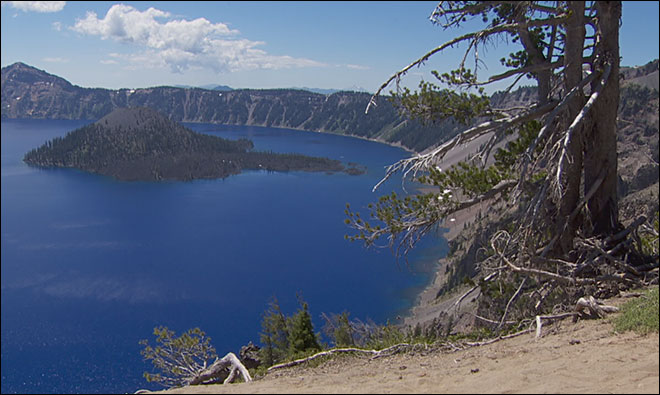 No sign of hiker who fell from rim at Crater Lake