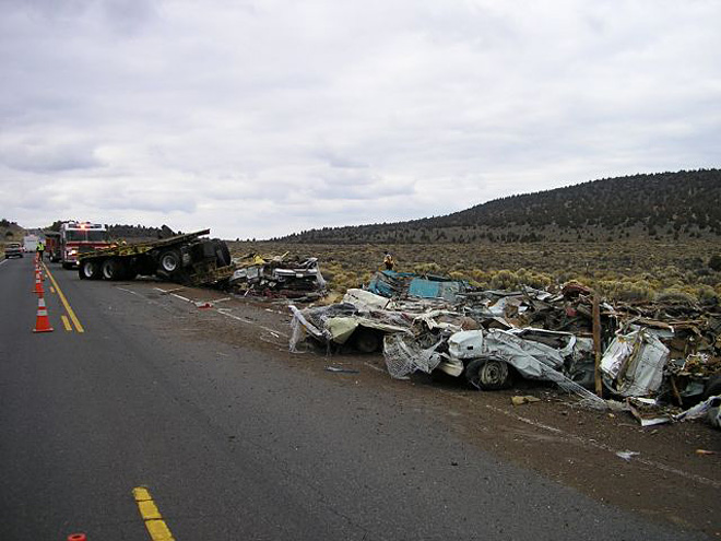 Deadly semi truck crash blocks Hwy 20 near Bend - 01