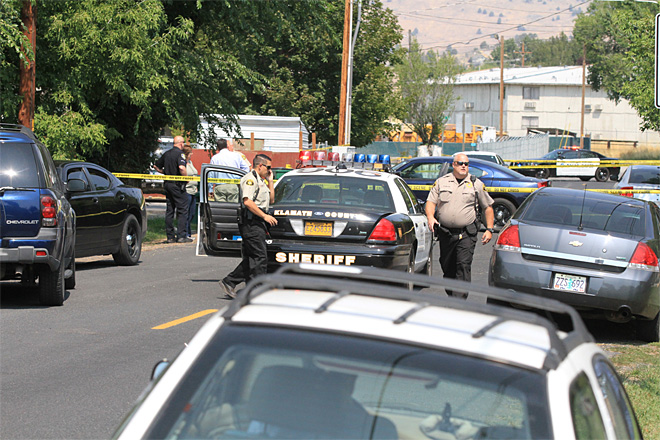 Three people arrested in connection with deputy shot in Klamath County