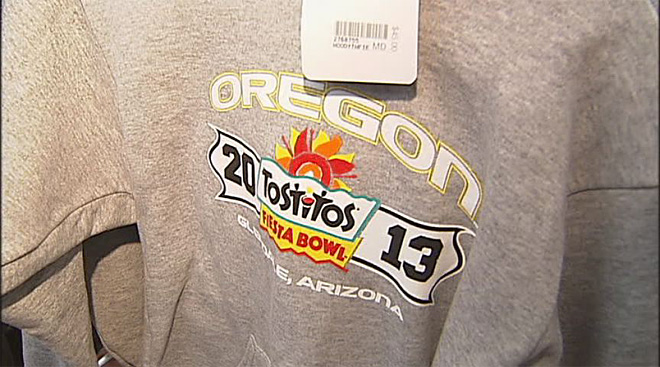 Duck fans get ready for 2013 Fiesta Bowl (12)
