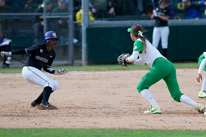 Ducks Softball sweeps Washington Huskies - 08 - Oregon News Lab Photo