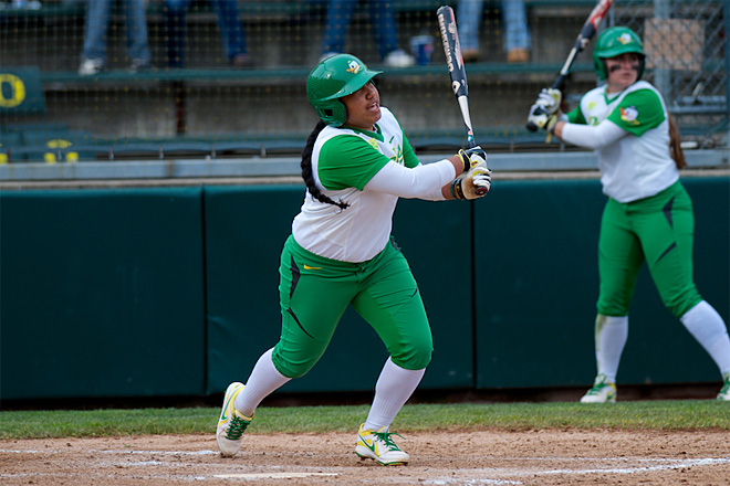 Ducks Softball sweeps Washington Huskies - 38 - Oregon News Lab Photo