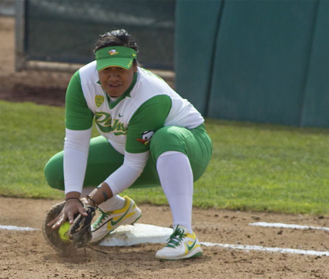 Ducks Softball sweeps Washington Huskies - 46 - Oregon News Lab Photo