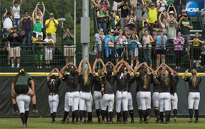 Ducks defeat Minnesota 6-2 and move on to College World Series