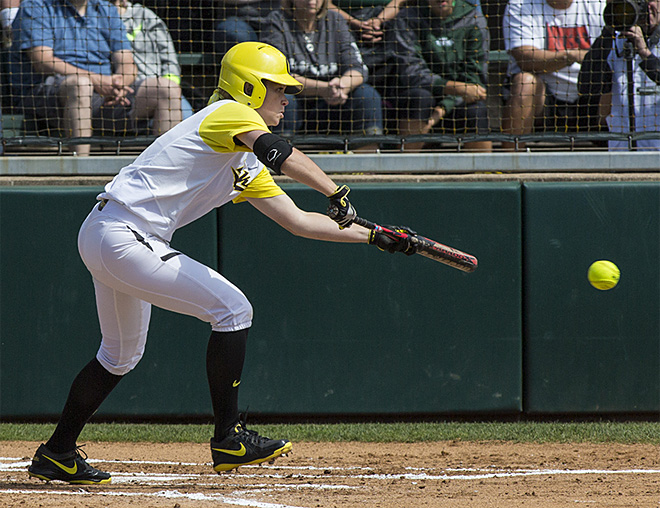 Ducks defeat Wisconsin Badgers 6-1 in 2nd round of Regionals - 03 - Oregon News Lab Photo