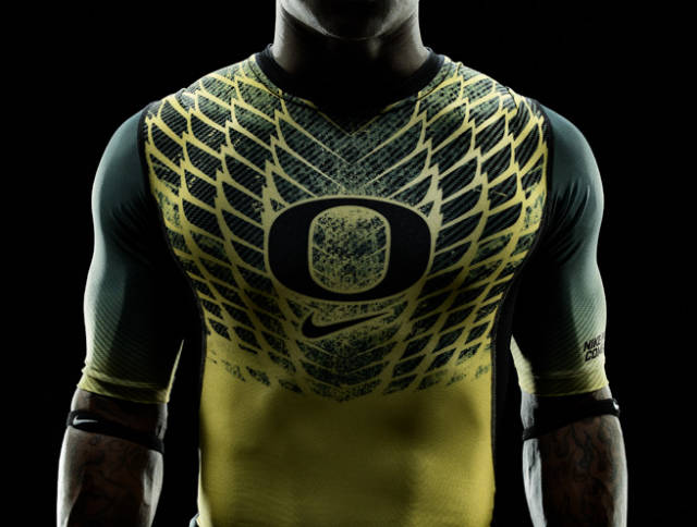 Ducks rose bowl uniforms (1)