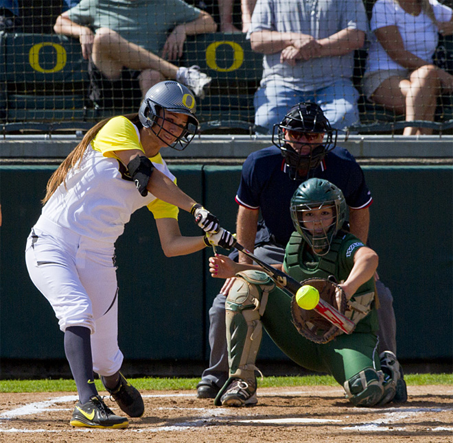 Ducks sweet Utah Valley in doubleheader - 01 - Photo by Oregon News Lab