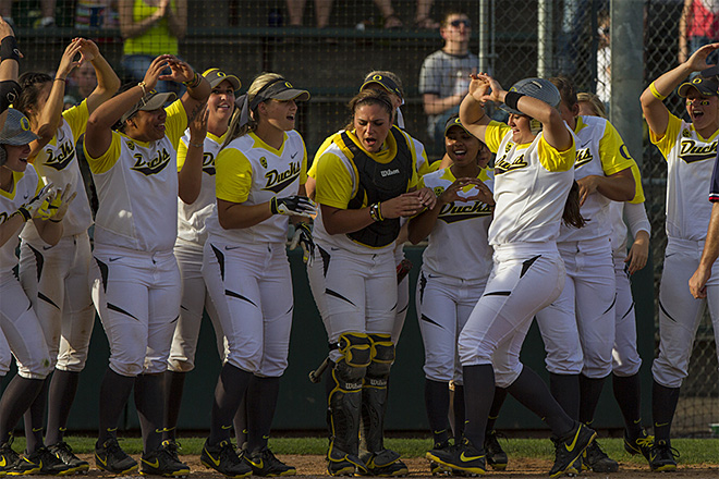 Ducks sweet Utah Valley in doubleheader - 05 - Photo by Oregon News Lab