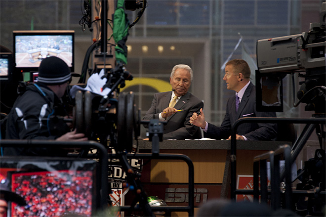 ESPN College GameDay visits Oregon for UCLA matchup - Photo by Tristan Fortsch