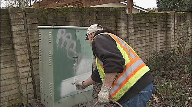 Fighting paint with paint in Eugene (3)
