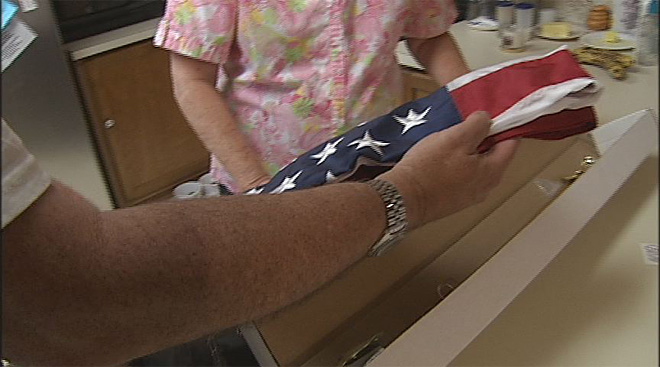 Collector helps out victim of flag theft