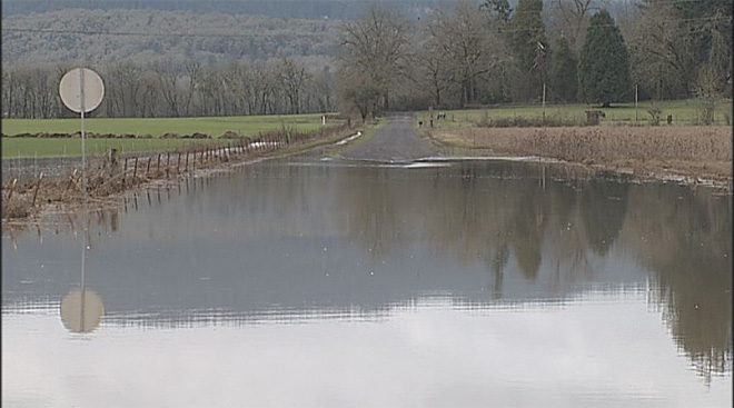 Flooded road near Creswell (3)