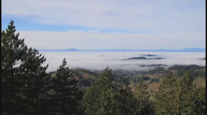 Fog ebbs and flows in timelapse video shot from Spencer Butte