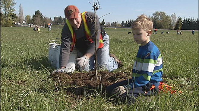 Friends of Trees plants over 200 native shrubs and trees on unused ODOT land - 07