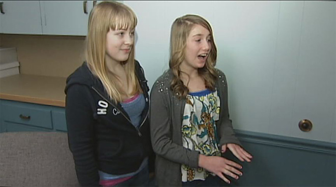 Girl saves friend who was choking on cheeseburger