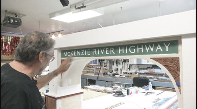 Group hopes to build arch over McKenzie River Highway