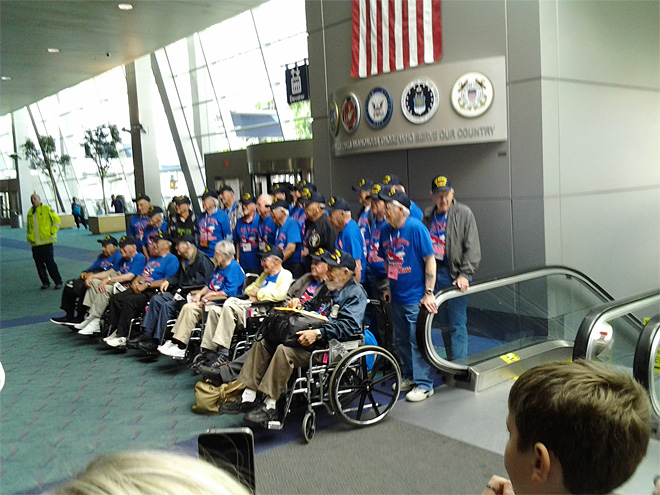 Honor Flight takes World War II veterans to see memorial