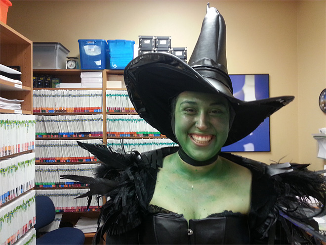Halloween at work - customers do a double take 02