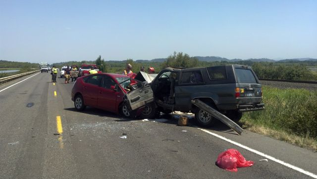 2 killed in head-on crash on Hwy 126 west of Beltline