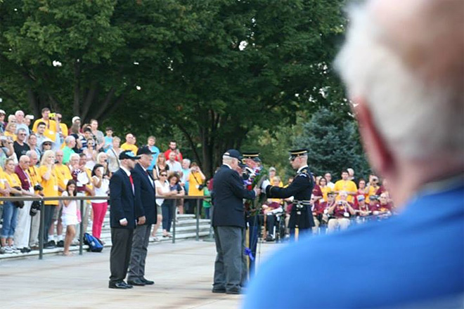 Honor Flight veterans visit World War II memorial despite government shutdown (2)