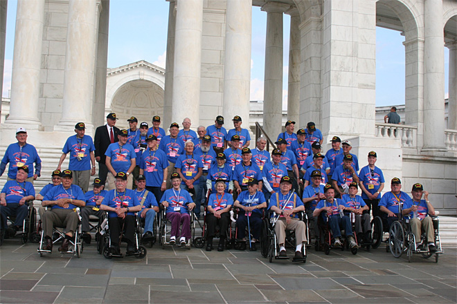 Honor Flight veterans visit World War II memorial despite government shutdown (7)