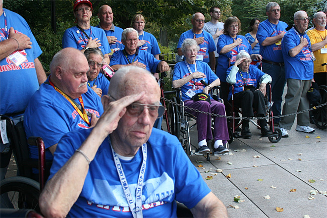Honor Flight veterans visit World War II memorial despite government shutdown (9)