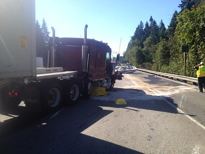 I-5 semi crash near Wilsonville