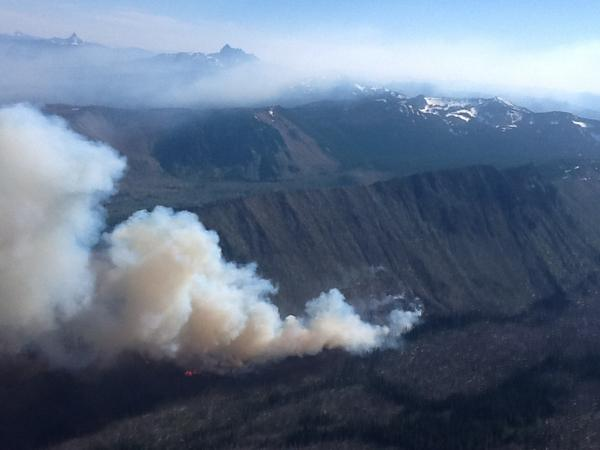 Public access restricted by fires near Mount Jefferson