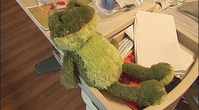 Jokebook author Frog hopes to leave hospital soon (3)