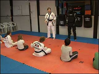 Program trains kids to fight attackers