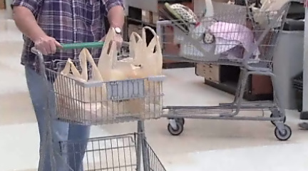 Grocers react to Eugene plastic bag ban