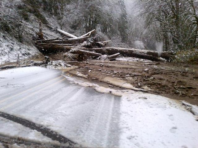 Landslide blocks Oregon Highway 126