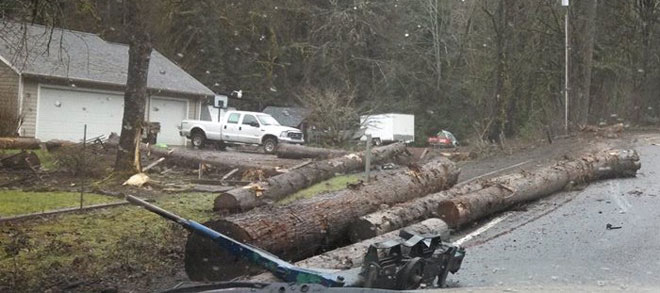 Log truck crash closes Hwy 126 near Noti