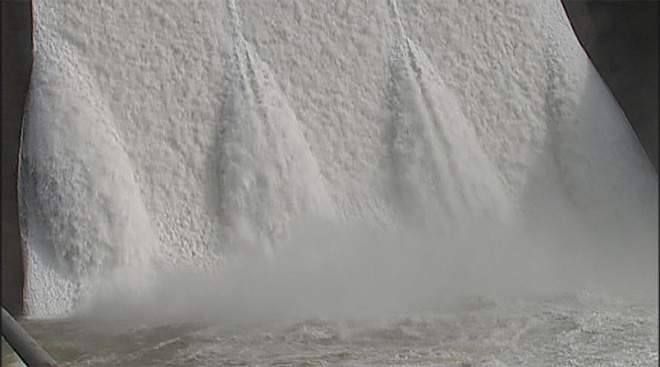 Lookout Point Dam releases water into the Willamette after February storms- 09