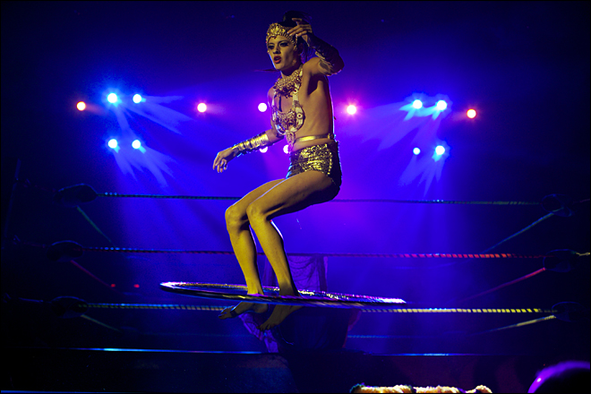 LA stage show fuses Mexican wrestling, striptease