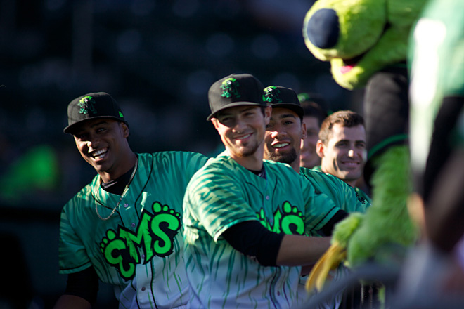ML2EmeraldsvsAquaSox_IMG_9834_2013-07-11 25