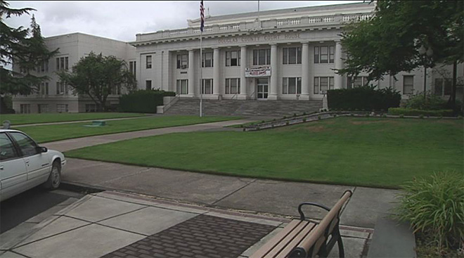 Man dies after incident outside Douglas County Courthouse (1)
