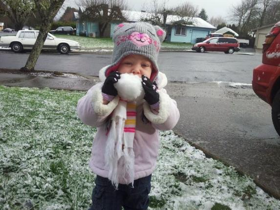 Nikkicole1721 photo of Rylee Williams in the snow