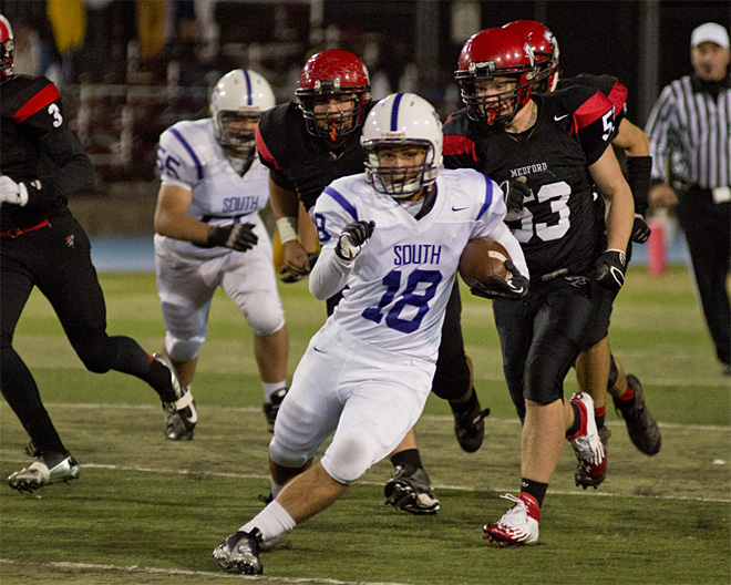 North Medford takes 34-7 win over South Eugene - 28